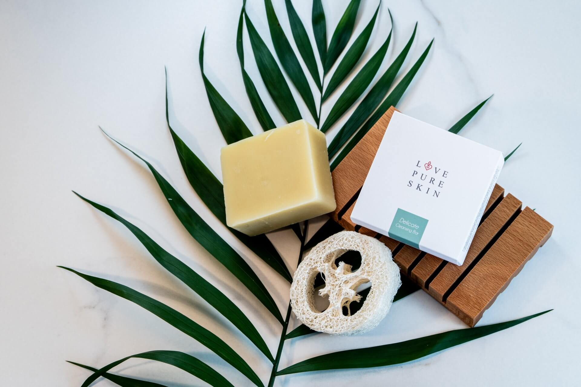 LOVE PURE SKIN Delicate Cleansing Bar
